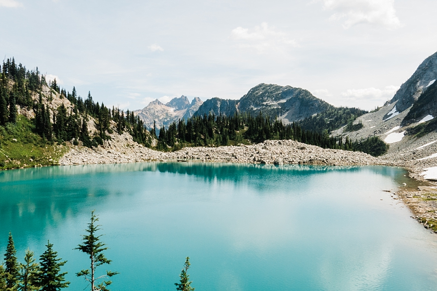 lewis lake in the north cascades