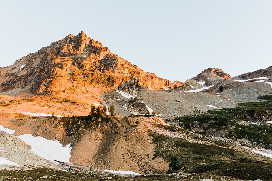 sunrise on black peak