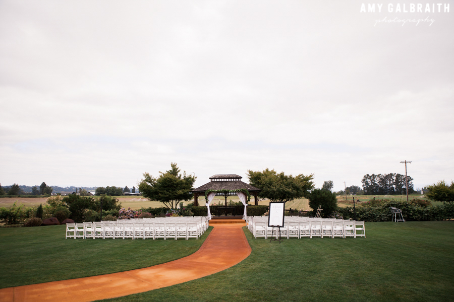 ceremony space at hidden meadows wedding in snohomish