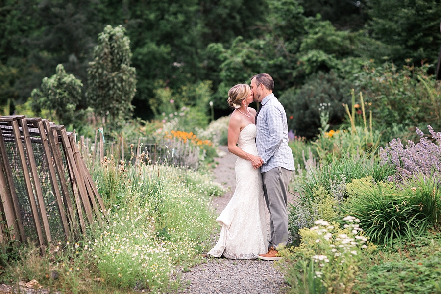 pickering barn wedding in the summer
