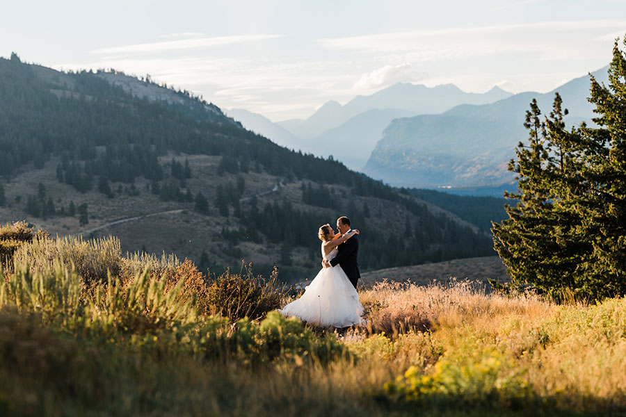 Best Wedding venues in Washington State - Sun Mountain Lodge by mountain wedding photographer Amy Galbraith