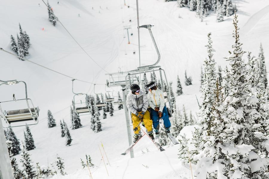 How to Plan a Winter Wedding by Adventure Wedding Photographer Amy Galbraith - Post Wedding Couples Ski Photos