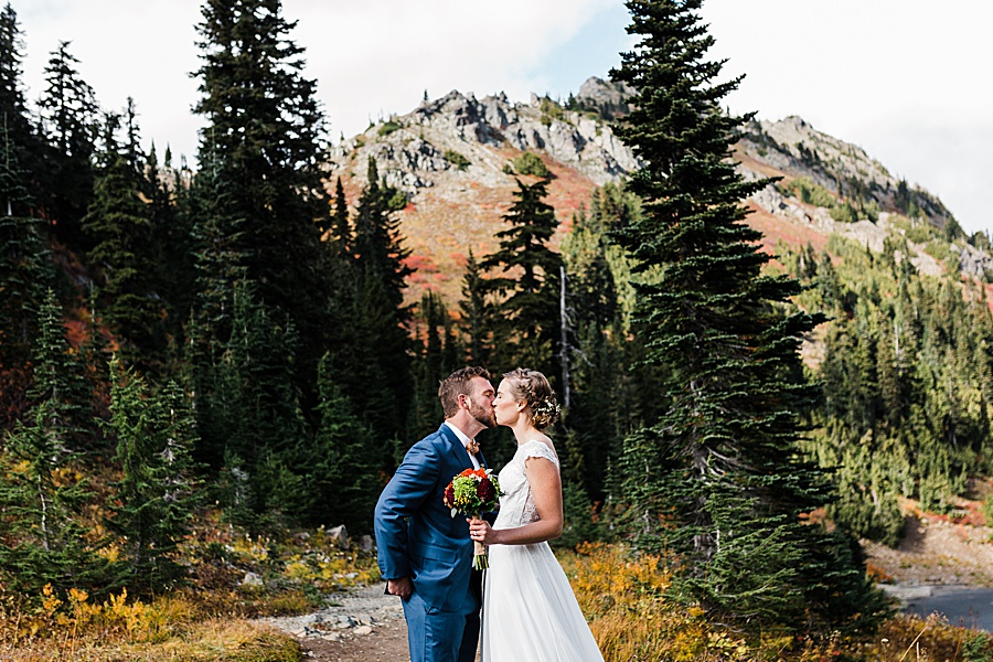A couple gets married in the forested mountains of eastern Washington by Seattle mountain wedding photographer Amy Galbraith